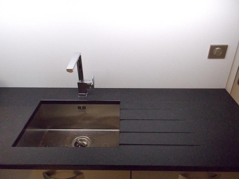 sarl jouve taille de pierre cuisines. Black Bedroom Furniture Sets. Home Design Ideas